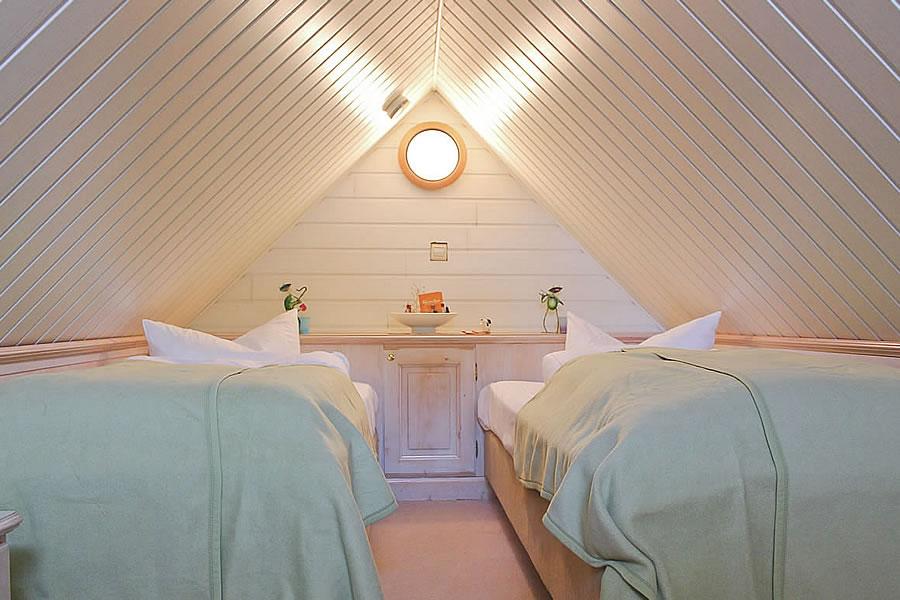 Kinderschlafbereich in Familiensuite über 2 Etagen, Gästehaus Bergfalke