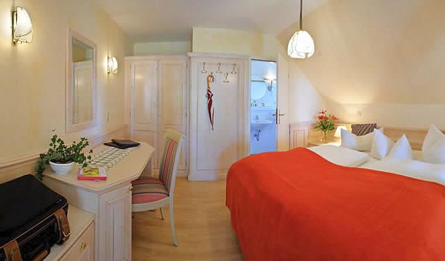 Boddenzimmer in Gästehaus Bergfalke