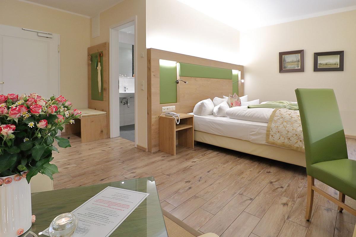 Doppelzimmer in Haus Fischerwiege, Wohn- und Schlafbereich.