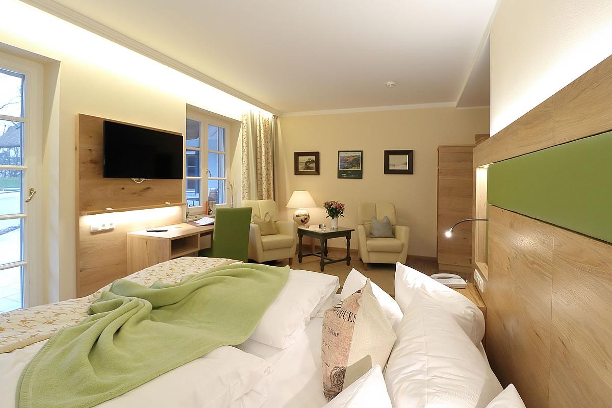 Doppelzimmer in Haus Fischerwiege, Schlaf- und Wohnbereich