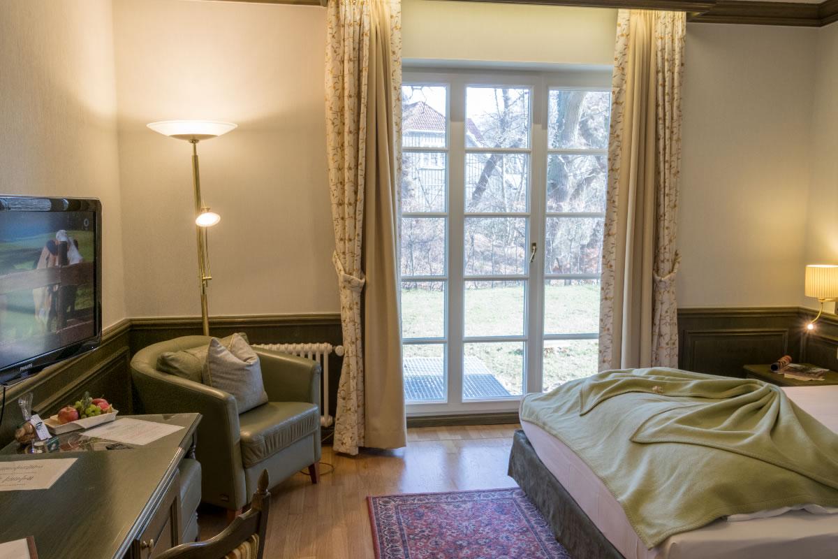 Einzelzimmer mit Terrasse, Wohn- u. Schlafbereich