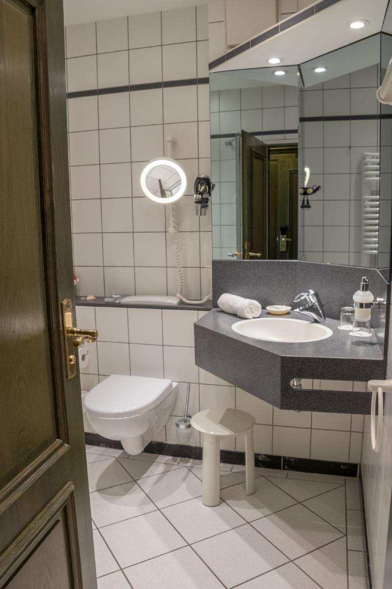 Bad von Einzelzimmer / Beispielfoto
