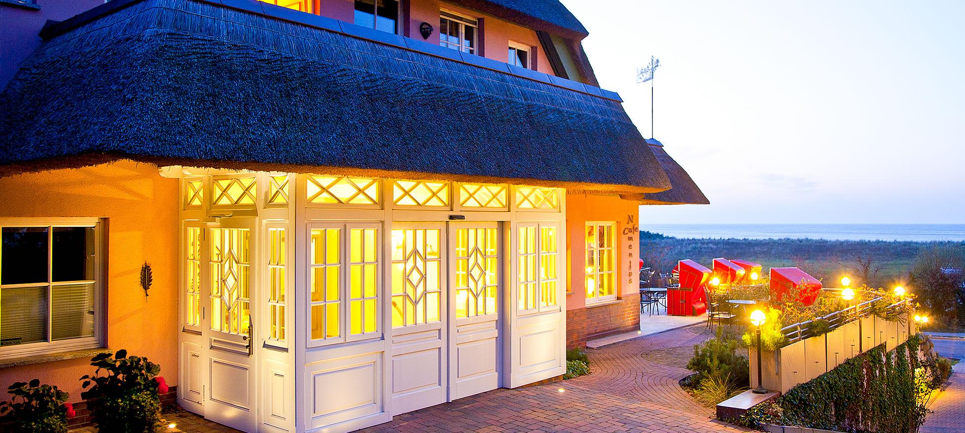 Hotel Namenlos, Eingang von der Seite