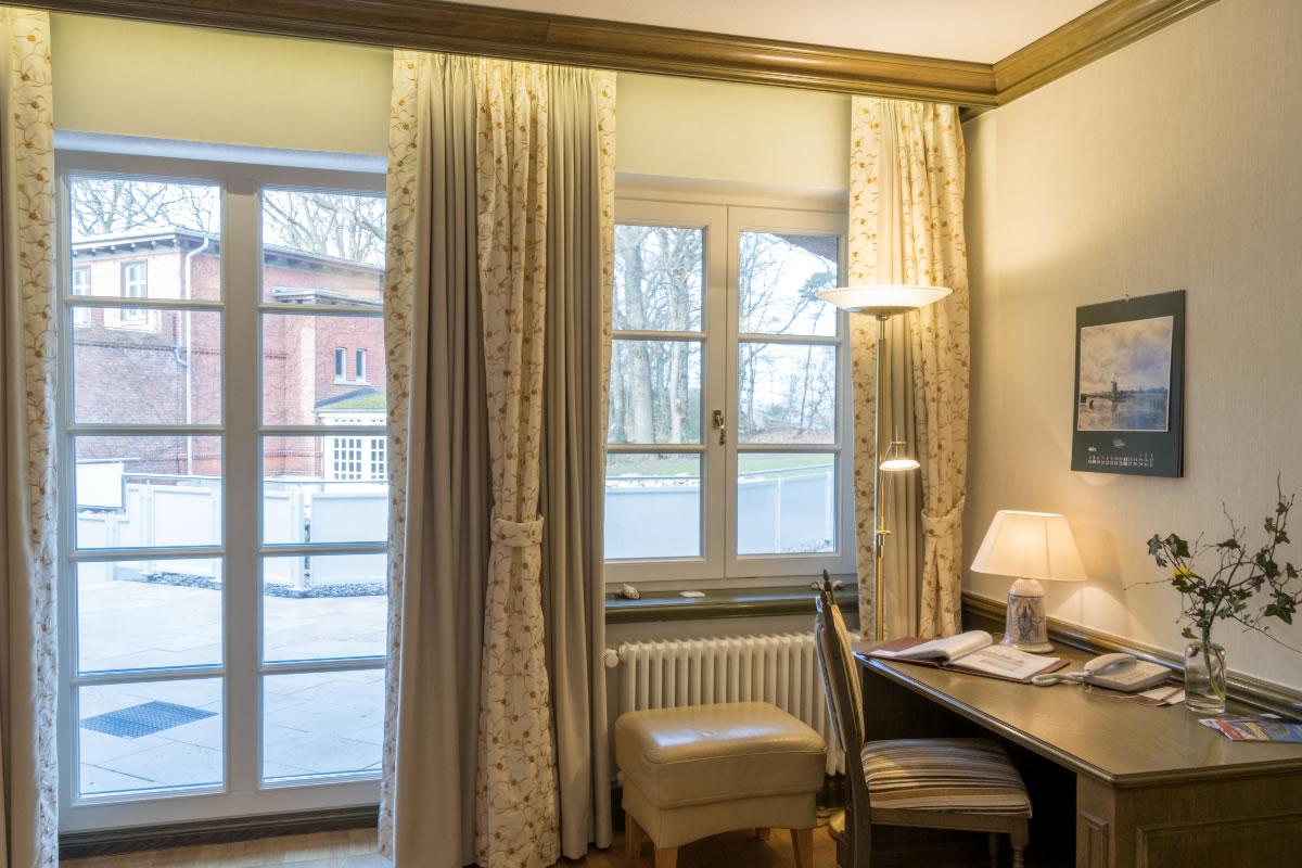 Kleiner Schreibtisch, Suite, Beispiel