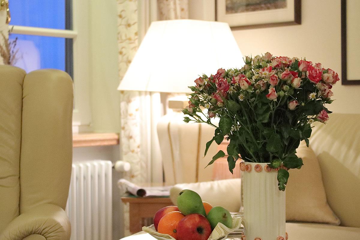 Willkommensblumen auf dem Zimmer, Suite Hotel Fischerwiege