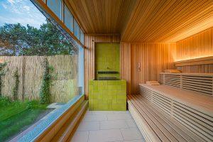 Sauna mit Blick ins Grüne, Wellness Hotel Fischerwiege