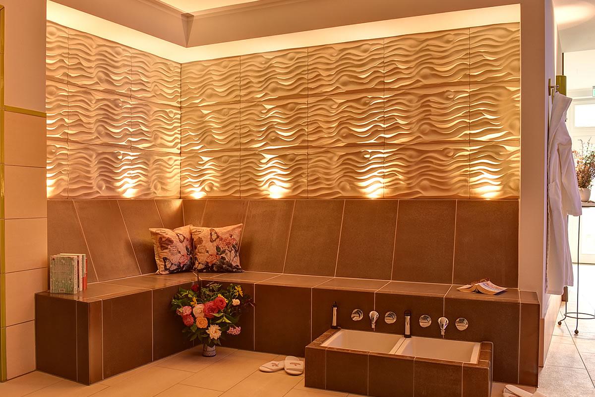 Platz für ein entspannendes Fußbad, Wellness Hotel Fischerwiege
