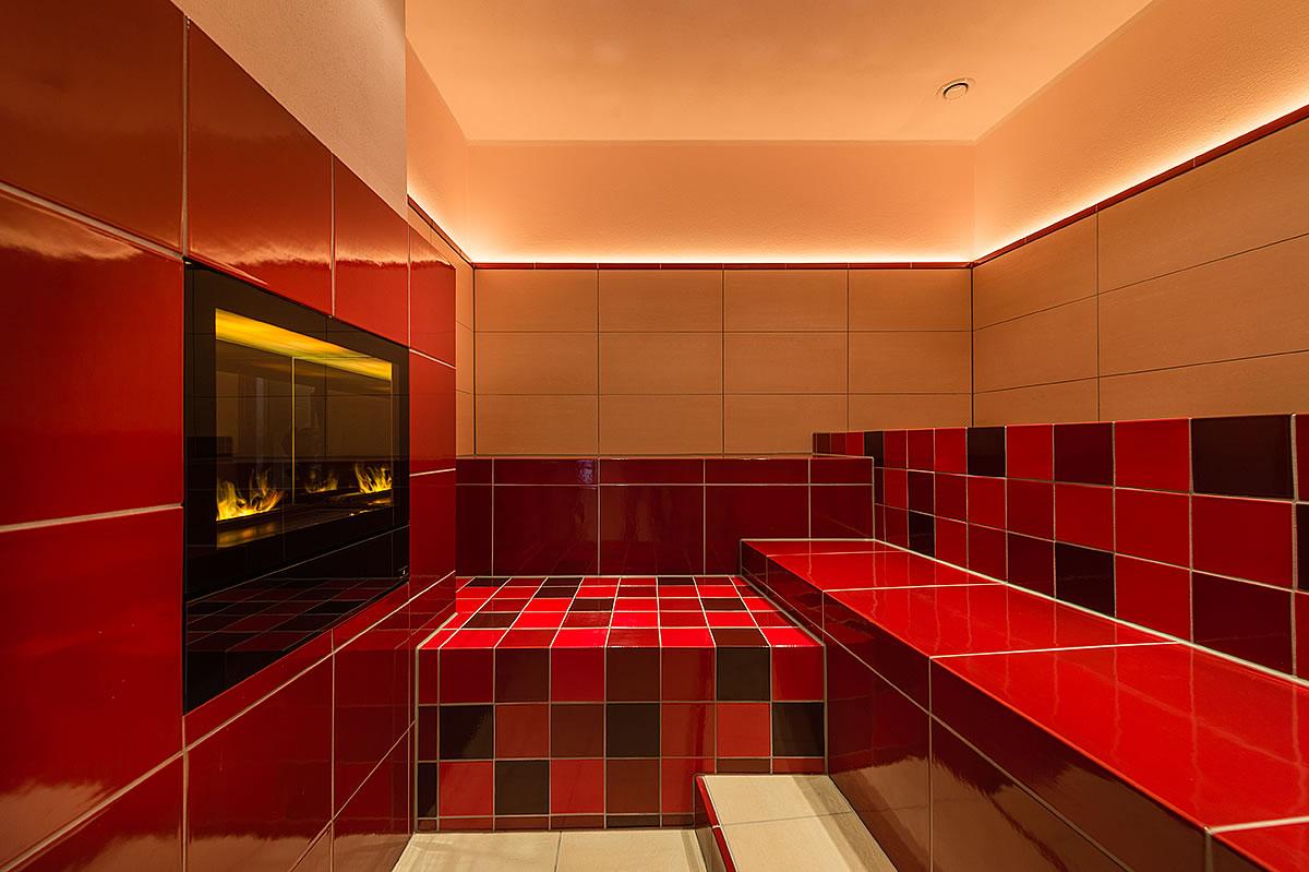 Dampfbad mit Kamin und romantischen Lichtspielen, Hotel Fischerwiege