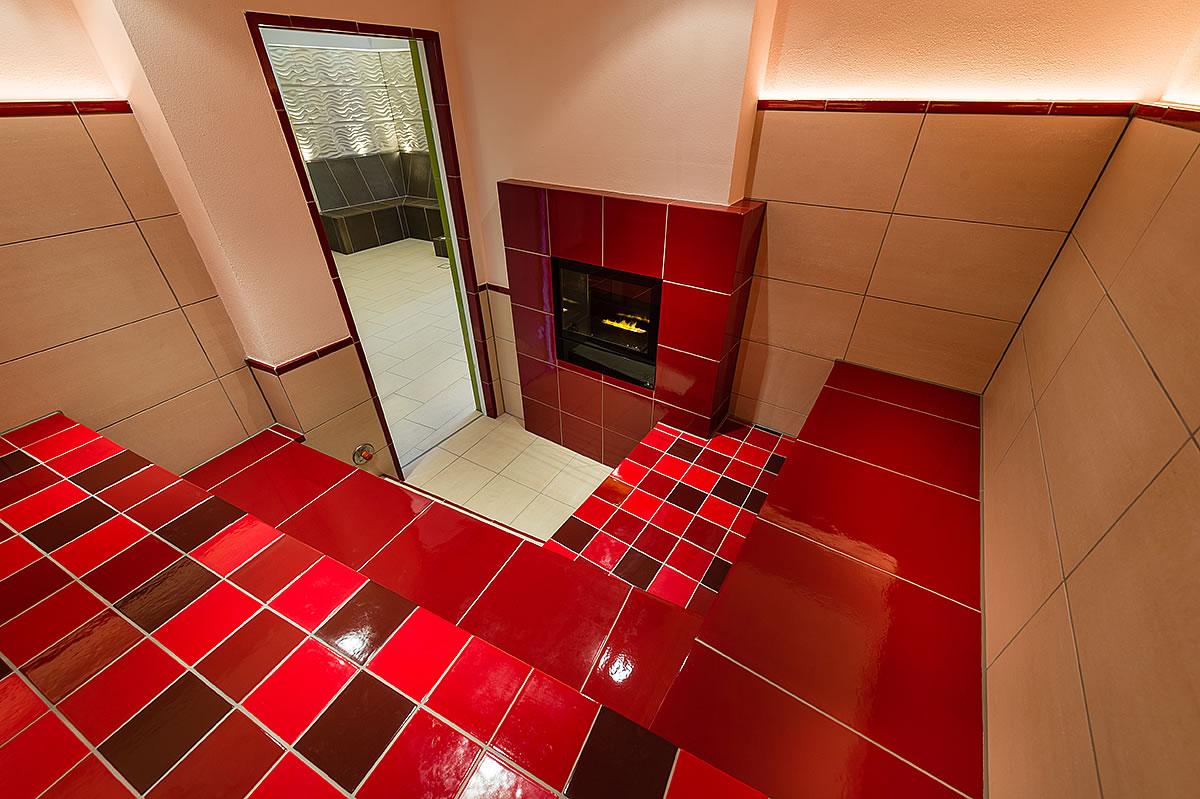 Dampfbad mit Kamin in Hotel Fischerwiege