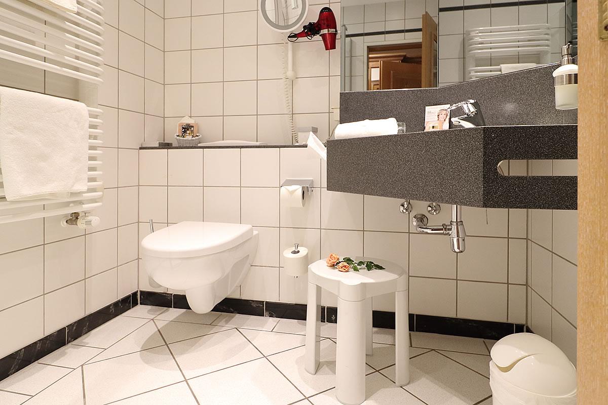 Bad in Einzelzimmer, Haus Fischerwiege
