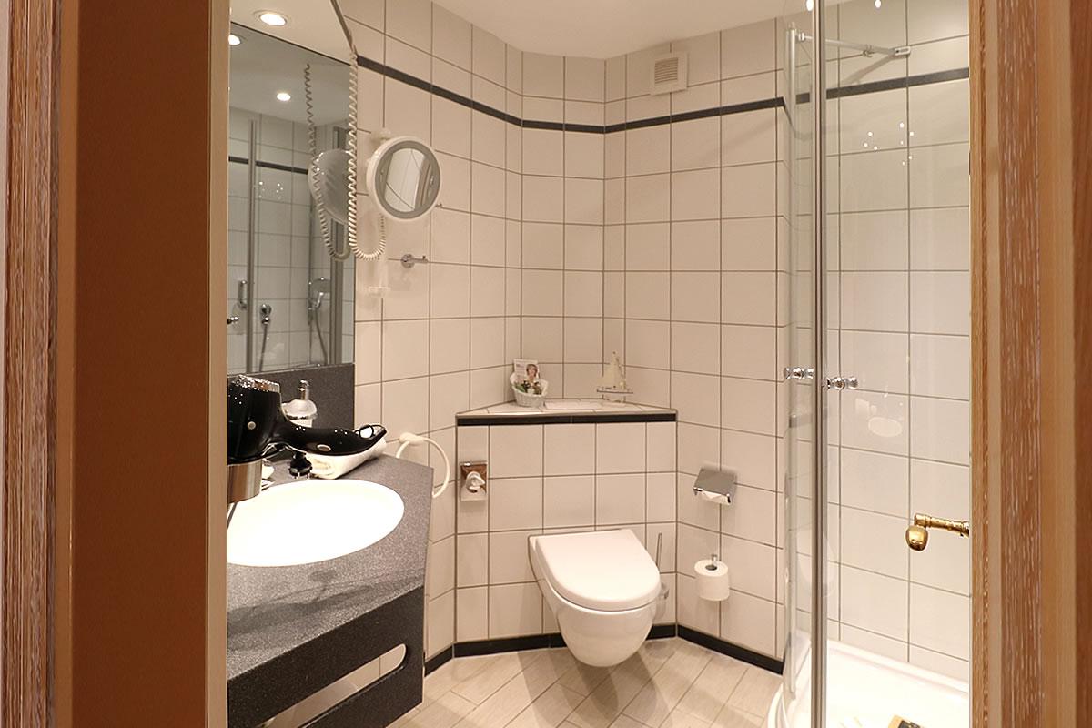 Bad in Einzelzimmer, Hotel Fischerwiege