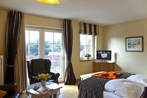 Doppelzimmer mit großem Balkon, Wohn- und Schlafbereich