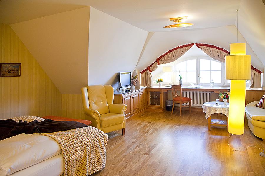 Doppelzimmer direkt unterm gemütlichen Rohrdach