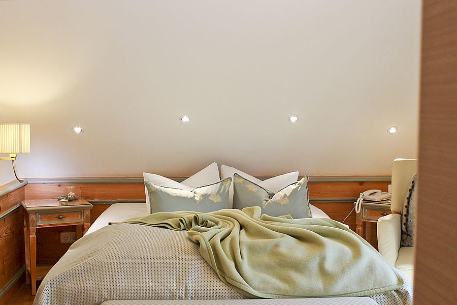 Schlafbereich, 1-Bett-Zimmer mit französischem Bett, Beispiel