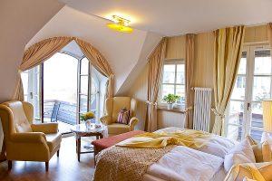 Doppelzimmer mit großem Balkon und Meerblick, Zimmerbeispiel