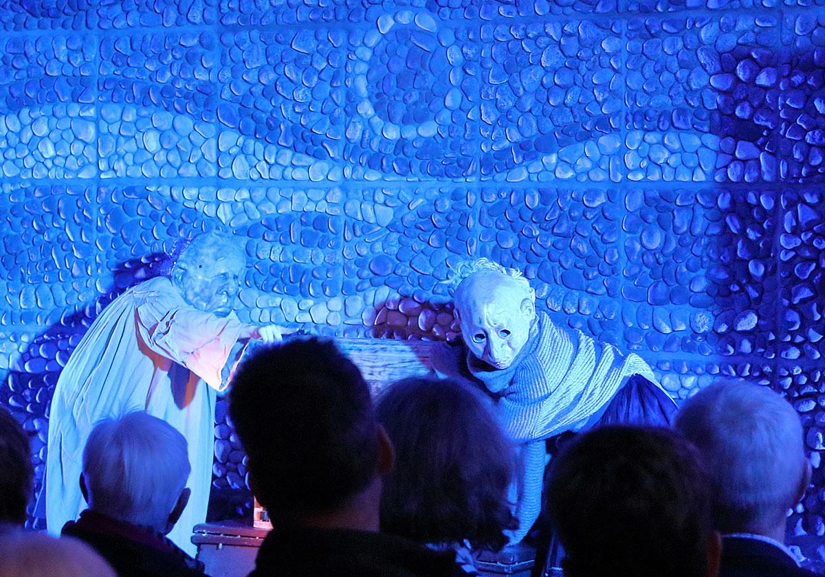 Theaterpremiere im Hugo-Richter-Lefensdorf-Saal