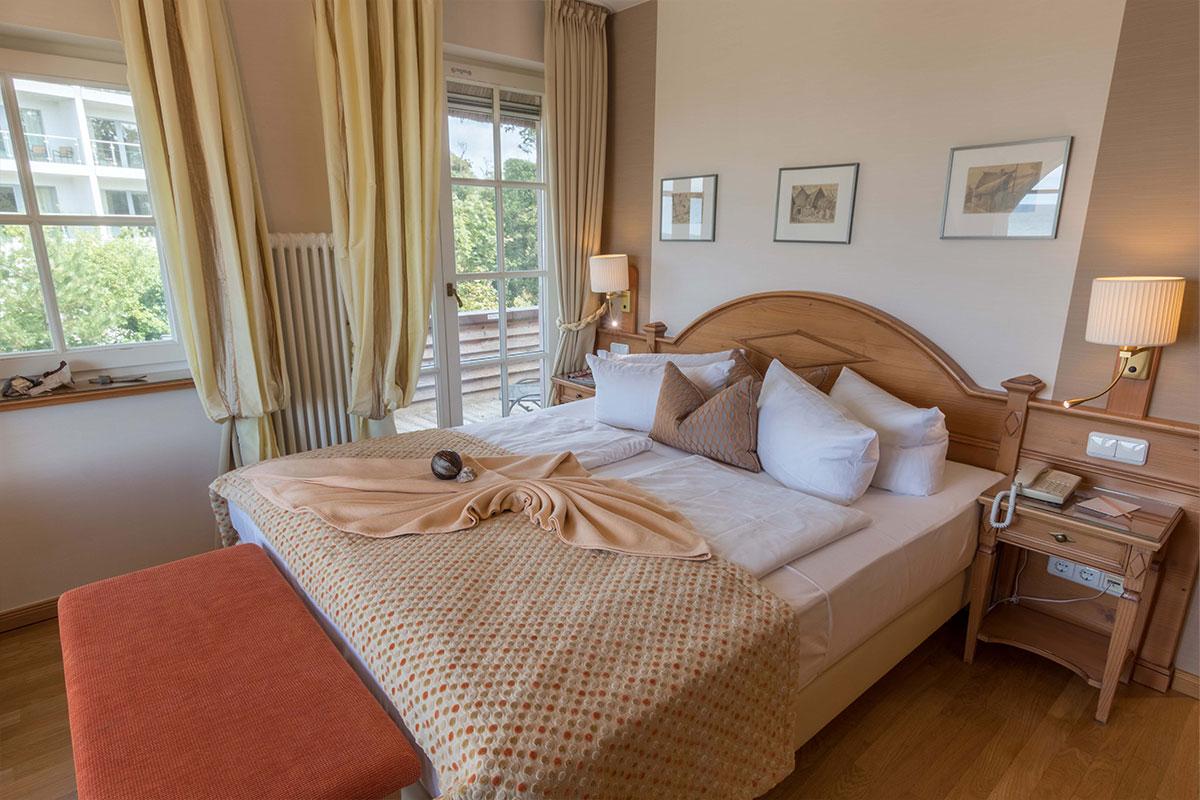 Doppelbett in DZ, Hotel Namenlos