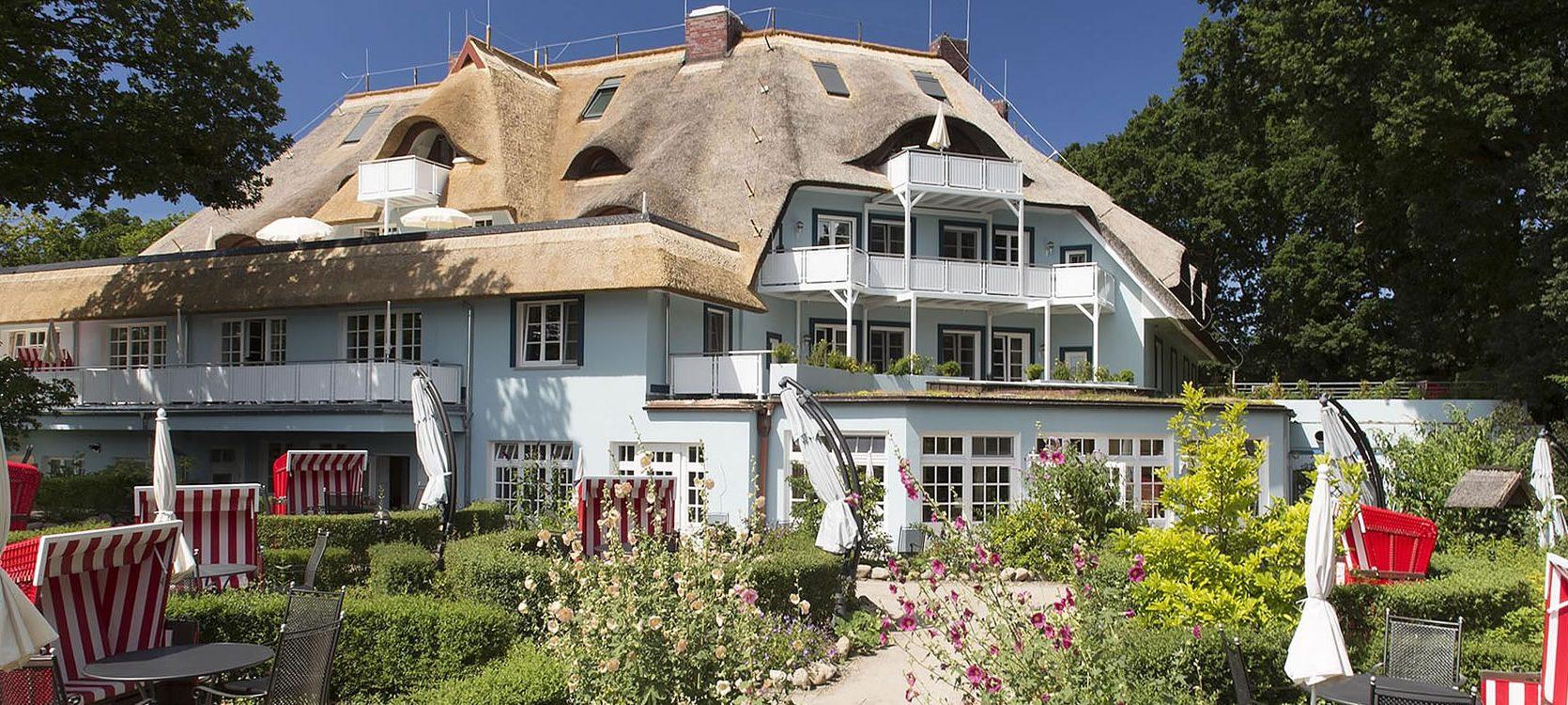 Hotel Fischerwiege zur Bodenseite, mit Frühstücksgarten