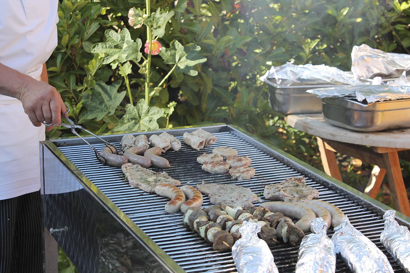 Sommer-Grillen im Frühstücksgarten von Hotel Fischerwiege