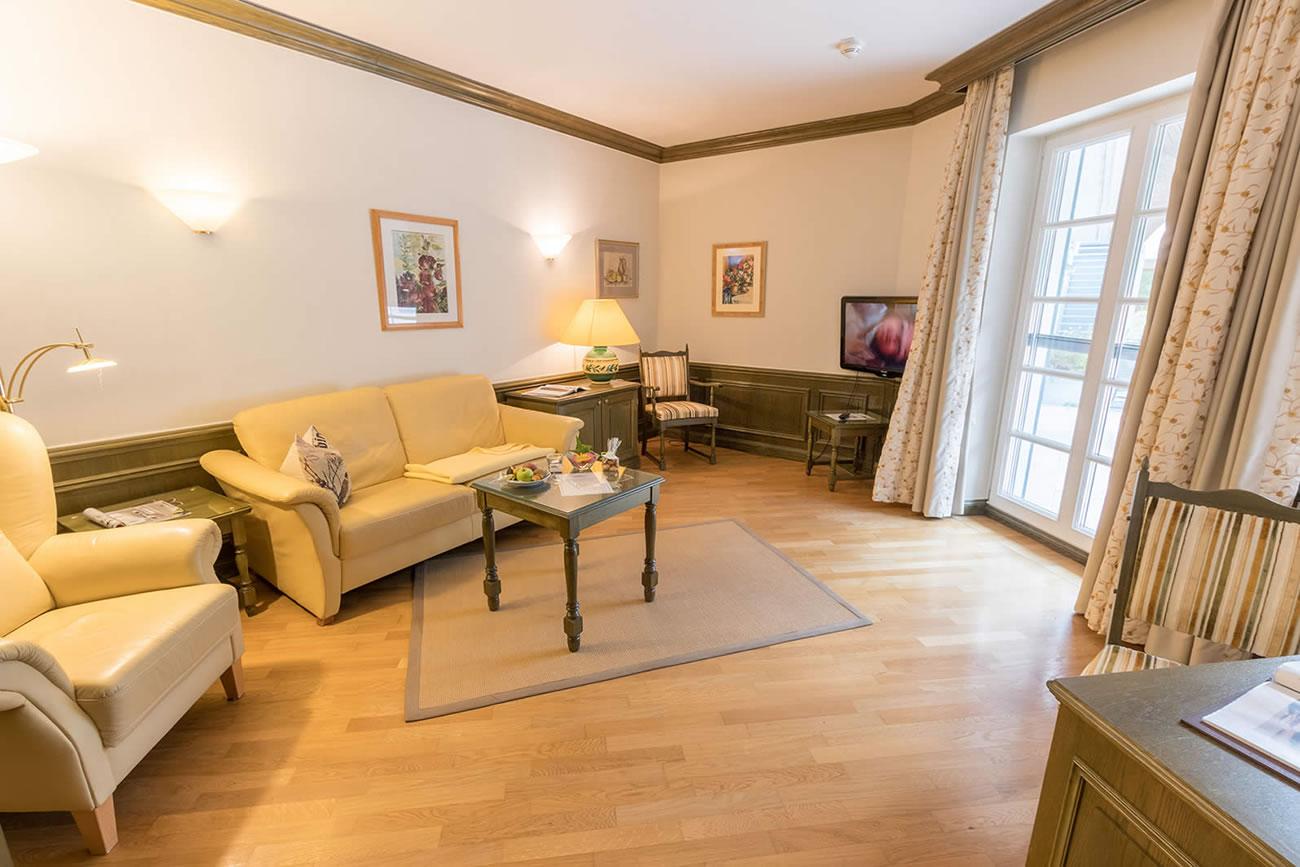 Suite mit großem Terrassenfenster
