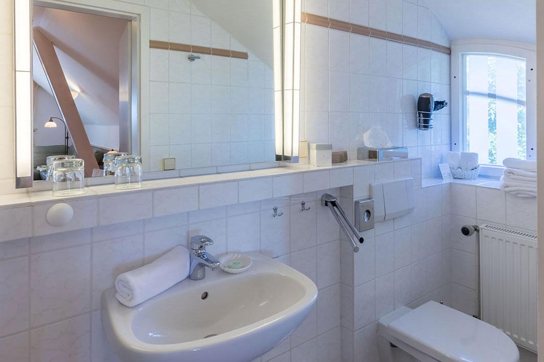 Kleines Bad im Boddenzimmer