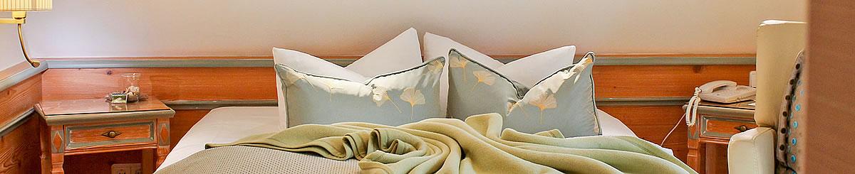 französisches Bett im Einzelzimmer, Hotel Namenlos