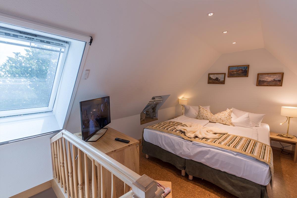 Schlafbereich, oben in Juniorsuite, Hotel Fischerwiege